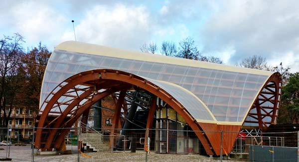Druskininkai lifting rope route for skiers Location: Druskininkai, Lithuania Type: Wood shade Cover: PVC tent Frame:Glued laminated timber Geometry: Geometric arch