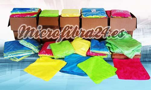 Microfibra profesional.  Bayetas: Tamaño 40x40 - 30x30cm, Gramaje 300 - 220, Colores Amarillo Verde Azul Rosa.