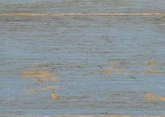 Con Ipf Plus+ introduciamo un nuovo concept di pavimento in legno: progettazione, design, glamour. Parquet prefinito bisellato e decorato a mano.  Trattamento superficiale effetto patina.