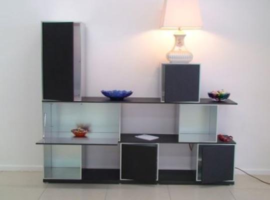 l'Azienda Zara, produce mobili, librerie e arredamento per zona giorno, soggiorni e arredamento per la casa.