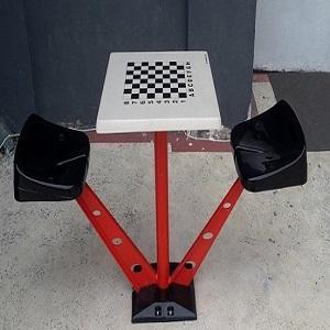 Dış mekan satranç masası.