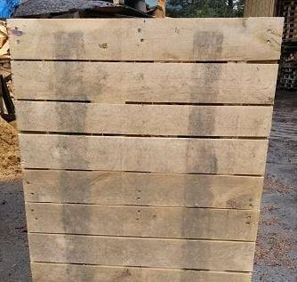 Oferujemy palety wykonane z drewna pochodzącego tylko i wyłącznie z Polski, nasi producenci posiadają wszelkie niezbędne uprawnienia i licencje IPPC.