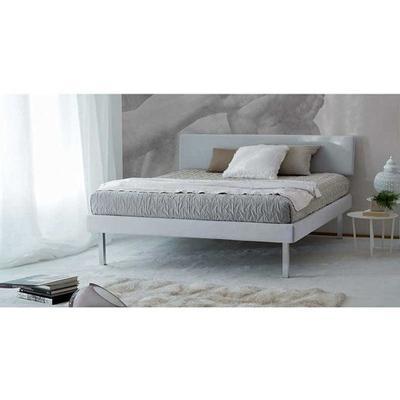 Zed, un letto singolo, una piazza e mezza o matrimoniale.