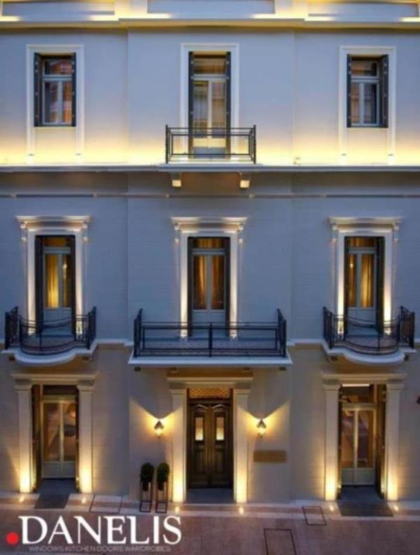 The Marpessa Hotel, is an authentic mansion of the 1920 located in the heart of Agrinio, a few meters away from the central square of the city.