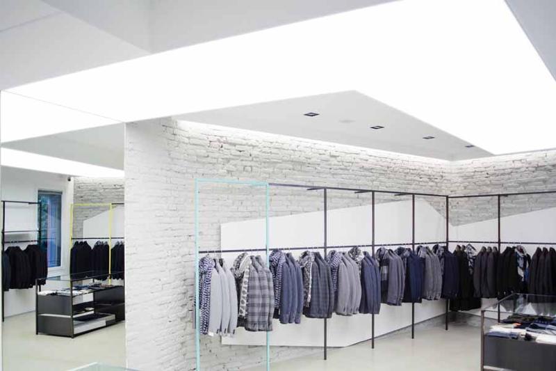 Montaggio negozi di abbigliamento