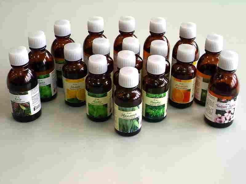 Доступны следующие масла: апельсин, лимон, пихта, сосна, можжевельник, чайное дерево, бергамот, мята и другие.