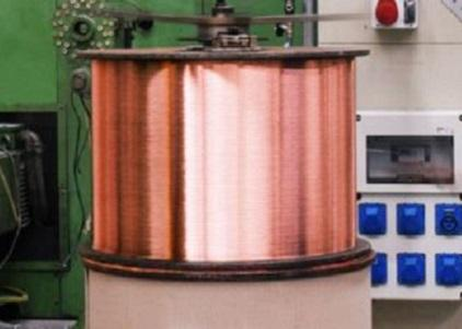 We transform 8 mm copper rod into single and multi-wires in compliance with the EN 13602 standard, strand wires in compliance with the EN 60228 standard.