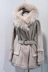 Realizzazione elegante e raffinata produzione di ottimi capi di abbigliamento in pelle, pelliccia e tessuto; realizza capispalla.