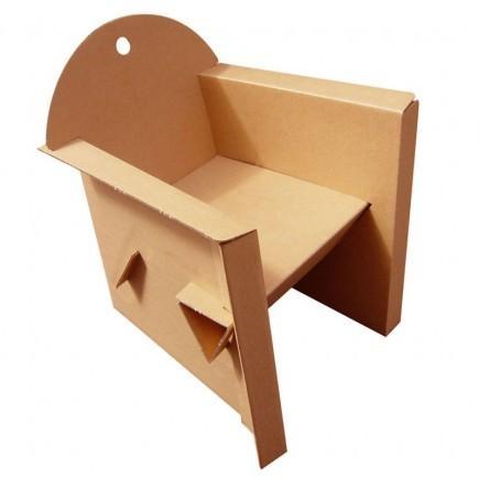 Ce Fauteuil en carton est montable par emboîtement, démontable et réutilisable, facilement transportable, confortable et solide.Produit monomatière entièrement recyclable. Fabrication française.