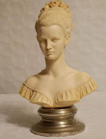Dama en mármol
