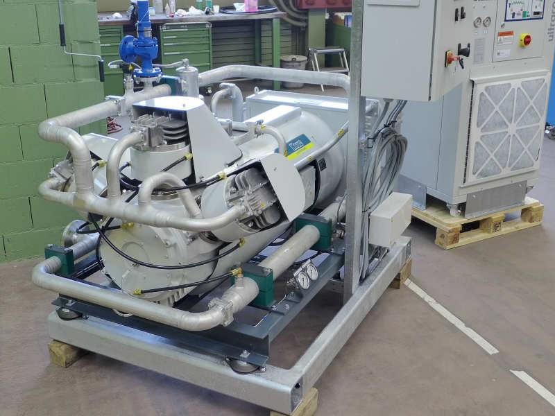 TOG oxygen compressor with chiller - oil-free and gas-tight piston compressor