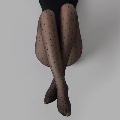 produzione di calze collant e lingerie