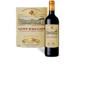 Chantecaille Saint-Emilion provient des meilleurs terroirs de Saint Emilion.Il a une robe pourpre foncé, un nez riche et complexe qui est dominé par la framboise et la vanille.