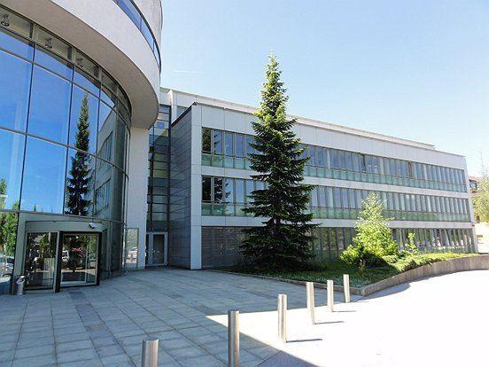 Salzburg Immobilien Denkstein: Partner für Häuser, Wohnungen und Baugründe sowie Geschäftslokale und Büros in Stadt und Land Salzburg zum Kaufen oder Mieten.