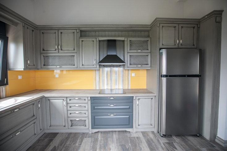 Old looking kitchen gray and dark green, we producing kitchen cabinet and kitchen doors. Also we sell to proffesionals kitchen doors