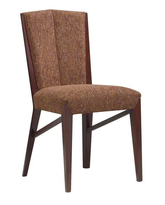 Sedia in legno e tessuto per alberghi, hotel, ristoranti, navi. Finiture e materiali di rivestimento personalizzabili. Chiedi il preventivo info@alemafurniture.com