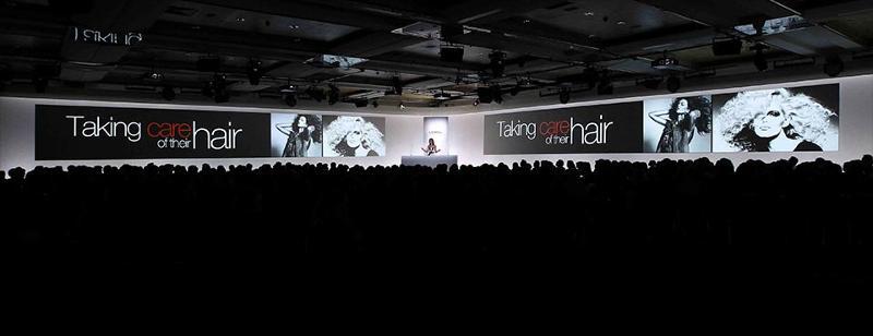 4 présentations Keynote servant d'infodécor géant animé lors de la Mondiale L'Oréal 2013. Un format de 3840 pix