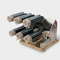 Draw out vacuum circuit breakers