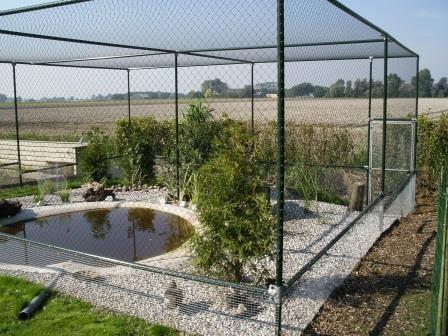 Volièrenetten voor vogelparken, fokkers en hobbykwekers.