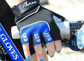 Made of 3D breathable mesh palm with Pillat grip reinforcement.Rubber foam padding on palm.Pull On tab on wrist.Back made of Polyester 4-way fabric.Silicone printing design on fingers.