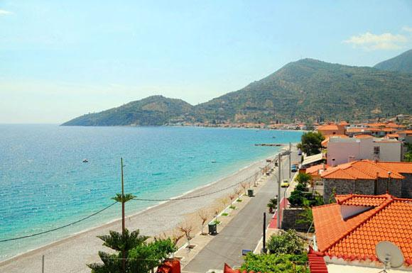 Tyros is a great place that attracts tourists all year round.  It has a great historic interest and crystal clear beaches. If you are planning holidays in Peloponnese, you should certainly visit us.