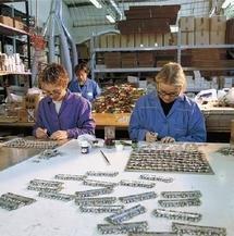 creazione di placche in metallo