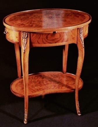Tavolino Stile Luigi XV Mod. AMBULANTE in noce e radica di noce. Cassetti incastro a coda di rondine.