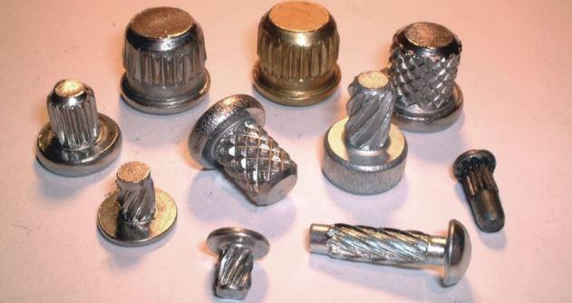 Pressvit-rivetti a martello