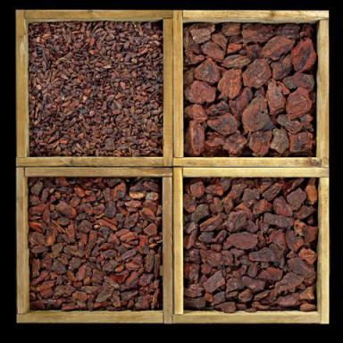 We have several bark sizes all with less than 3-5% impurities as bark fiber of wood chips. We screen 3-8 mm, 8-15 mm, 15-25 mm, 25-40 mm and 40-60 mm. Ask also for different combinations.