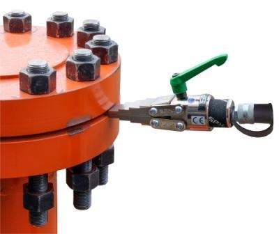 Lightweight flange spreaders