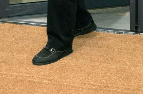 Le moyen naturel de nettoyer les chaussures