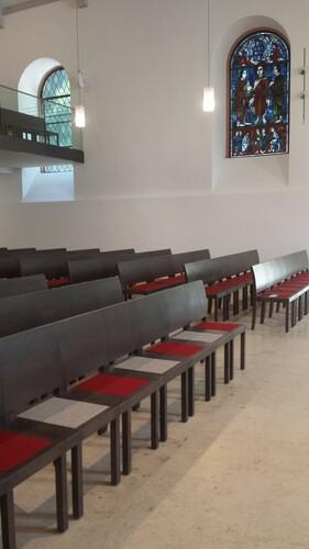 Mira Kirchenbestuhlung
