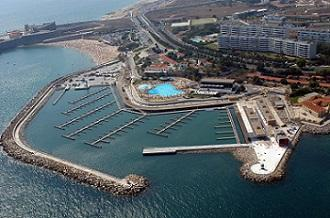 The marina at Oeiras is located on the seafront of Oeiras, into the bar of Lisbon, sorrounded by the Ocean Pool. The marina has capacity for 294 boats up to 25m in length