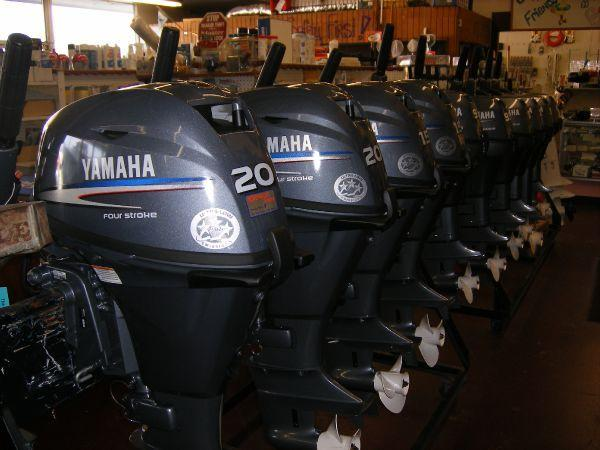 Type: Outboard Motor 			 Year: Current 			 Model: 350 HP Four Stroke V8 5.3L F350 Price: 9000USD