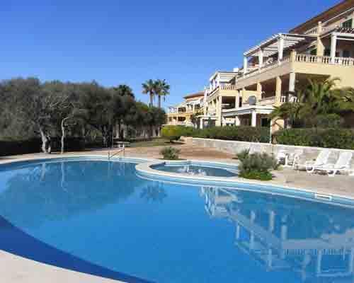 Apartamento con piscina en Portocolom