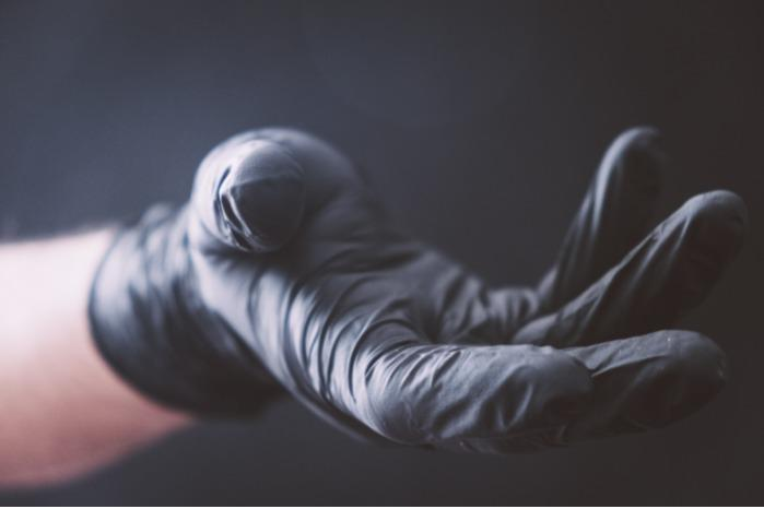 gloves: nitrile, latex and polyethylene