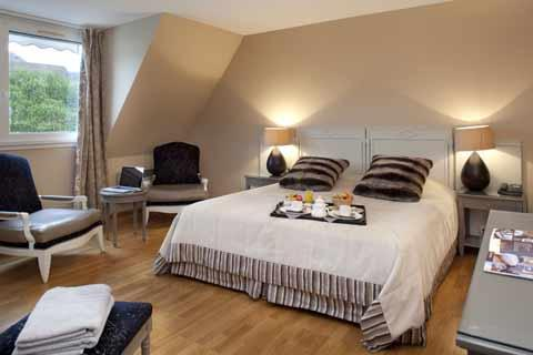 Comfort and well-being come as standard in these light and contemporary rooms. They are decorated either in bright modern colours or in light, pure colours to suit every...