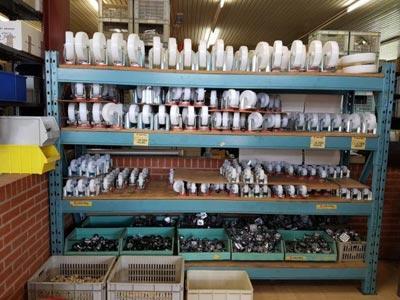 Plaques caoutchouc et butées, Butoirs, Cordes , Courroies, Gants,  Roues, sangles, silentbloc, plastique et dérivés, tuyaux, raccords, lanières en PVC souple,