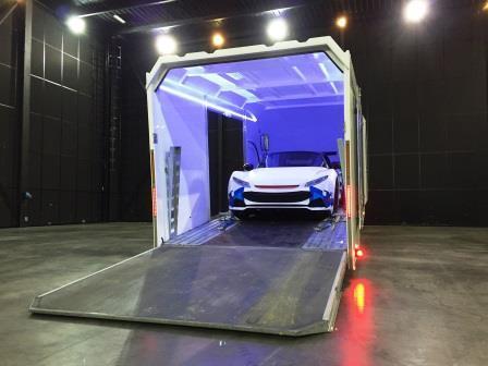 Les Transports Rabouin sont en mesure de transporter les véhicules des plus prestigieux grâce à sa remorque confidentielle