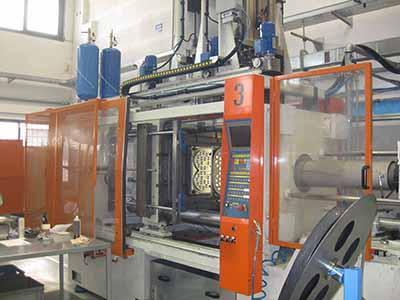 Mir 380 ton revisionata. Accessori realizzati: estrattori laterali + spazzole serie pesante + tramoggia silicone.
