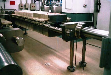 CHOQUENET SAS fabrique des filtre-presse pour la fabrication du vin, de la bière : filtre à moût pour brasseurs, brasserie, œnologue, œnologie.