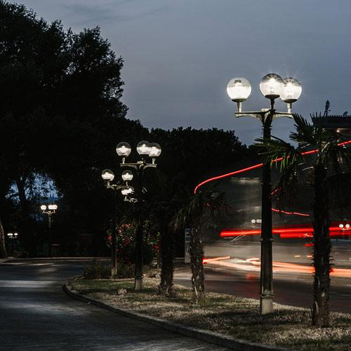LUMENIA T LUM Retrofit is a perfect solution when  luminaires need to seamlessly fit in the environment. Having old city centers and cultural heritage sites in mind, we have developed T LUM Retrofit.