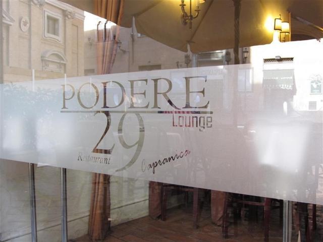 Adesivi satinati per vetrine a Roma, Viterbo e Grosseto.