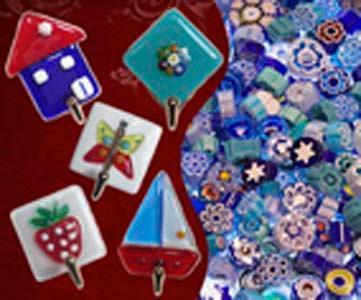 Ganci in vetro di Murano con biadesivo. Porta presine, portachiavi, ecc.