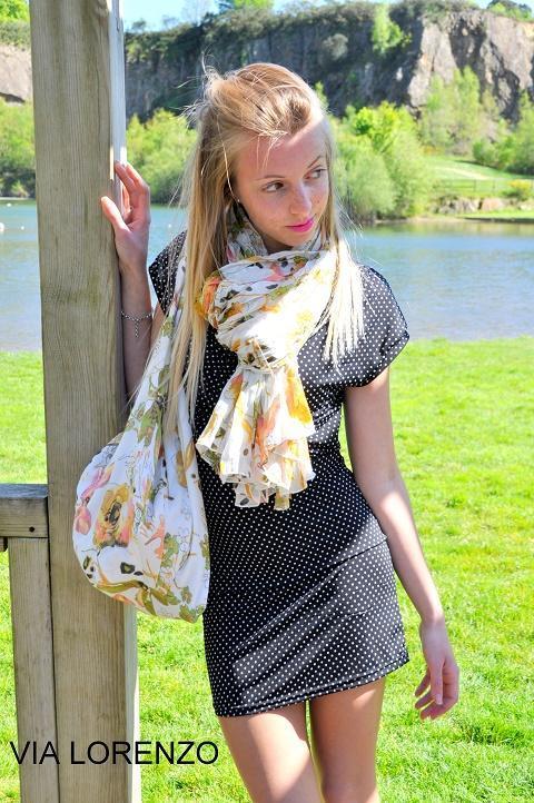 set scarf and bag