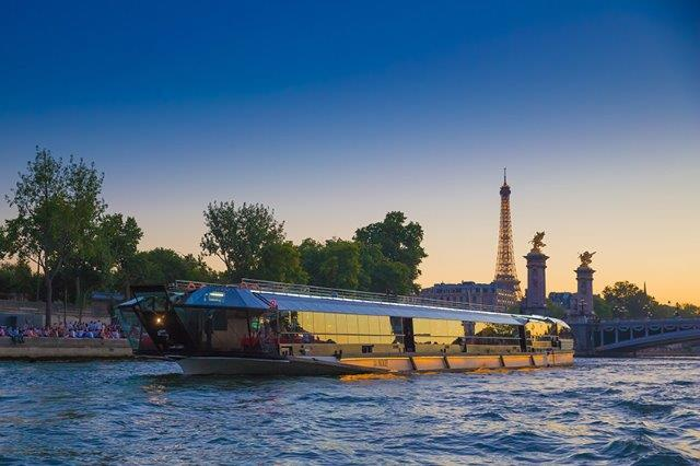 Bateaux Mouches restaurant boat, ready for our 6PM early bird dinner cruise