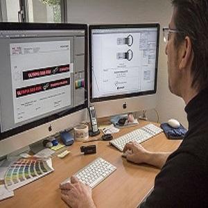 Il reparto grafico è altamente qualificato e opera con i più aggiornati software di produzione e design. In 24 ore siamo in grado di fornire al cliente una bozza informativa con il suo logo aziendale