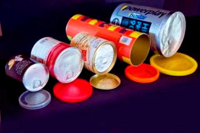 Nous proposons des emballages alimentaires, des Canisters pour les bouteilles, des Banisters pour les liquides et surtout tout le service de conception et personnalisation de votre emballage.
