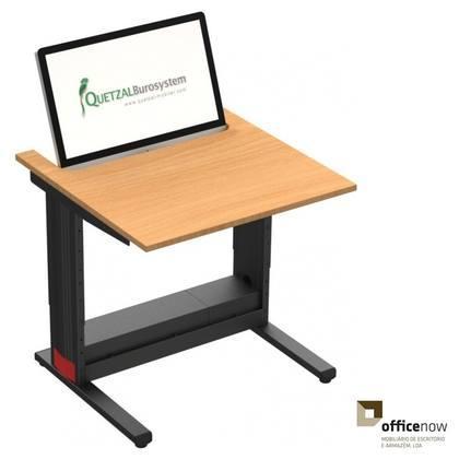 Mobiliario para informatica, mesas em diversos tamanhos e com altura regulavel