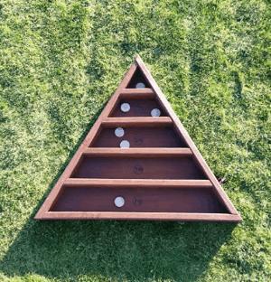 triangolo informations r f rences dossiers de l. Black Bedroom Furniture Sets. Home Design Ideas